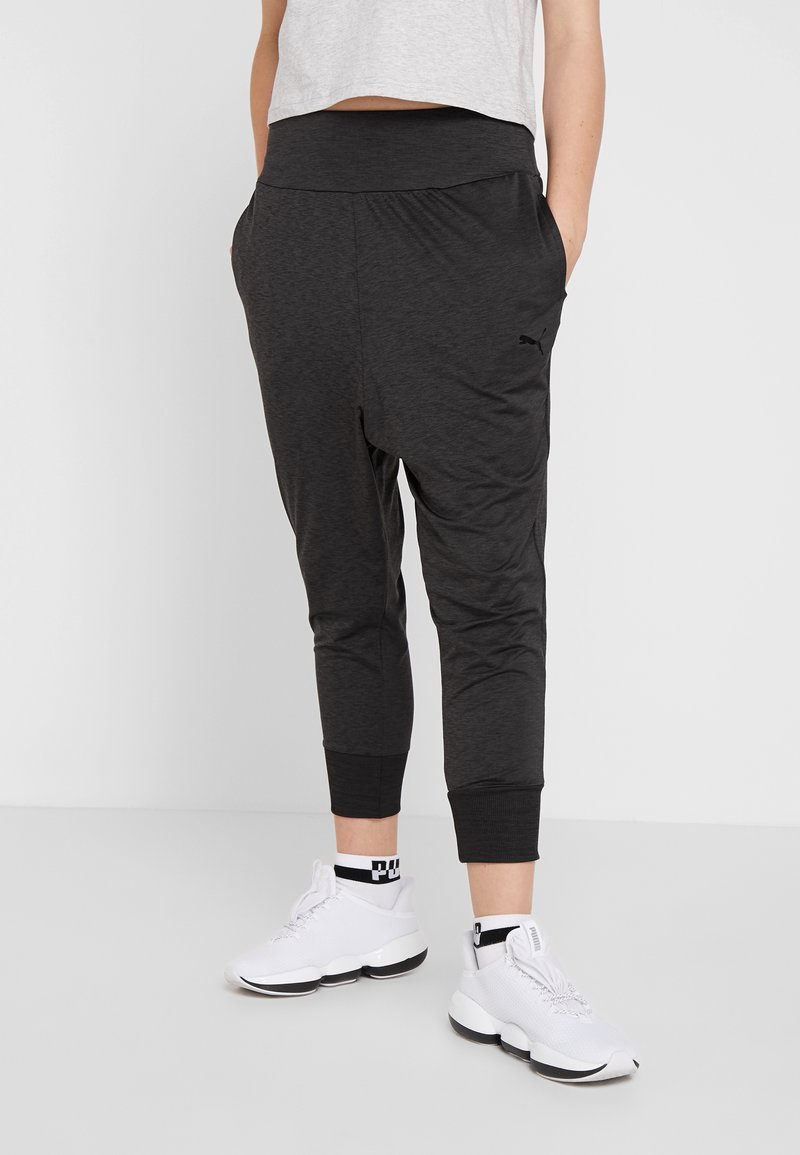 Puma - SOFT SPORTS DRAPEY PANTS - Trainingsbroek - black heather