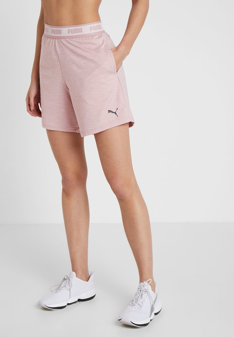 Puma - SOFT SPORTS DRAPEY SHORTS - kurze Sporthose - bridal rose heather