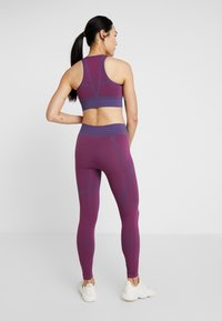 Puma - SEAMLESS LEGGINGS - Legging - imperial palace/persian red - 2