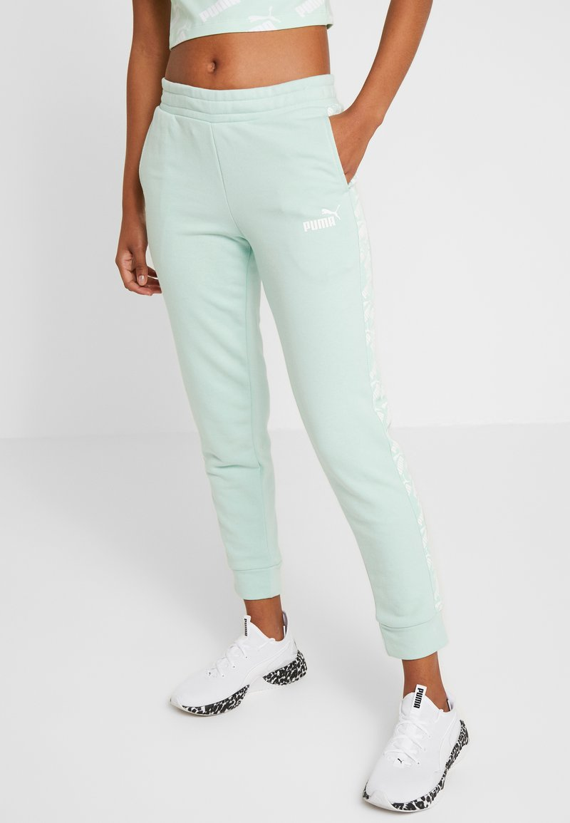 Puma - AMPLIFIED PANTS  - Pantalon de survêtement - mist green