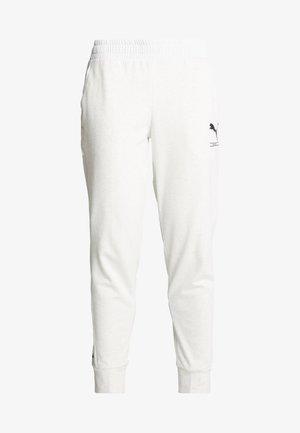 NU-TILITY PANTS - Teplákové kalhoty - puma white heather