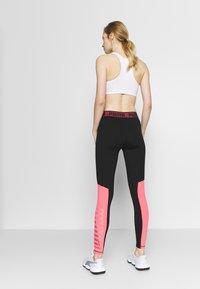 Puma - LOGO - Leggings - black/ignite pink - 2