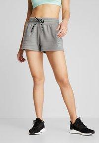 Puma - FEEL IT SHORT - Short de sport - medium gray heather/black - 0