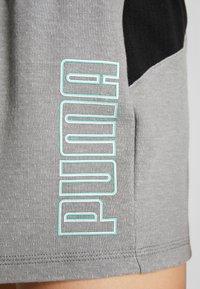 Puma - FEEL IT SHORT - Short de sport - medium gray heather/black - 3
