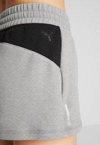 Puma - FEEL IT SHORT - Short de sport - medium gray heather/black - 4