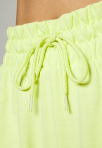 Puma - SUMMER SHORTS - Sports shorts - sunny lime - 4