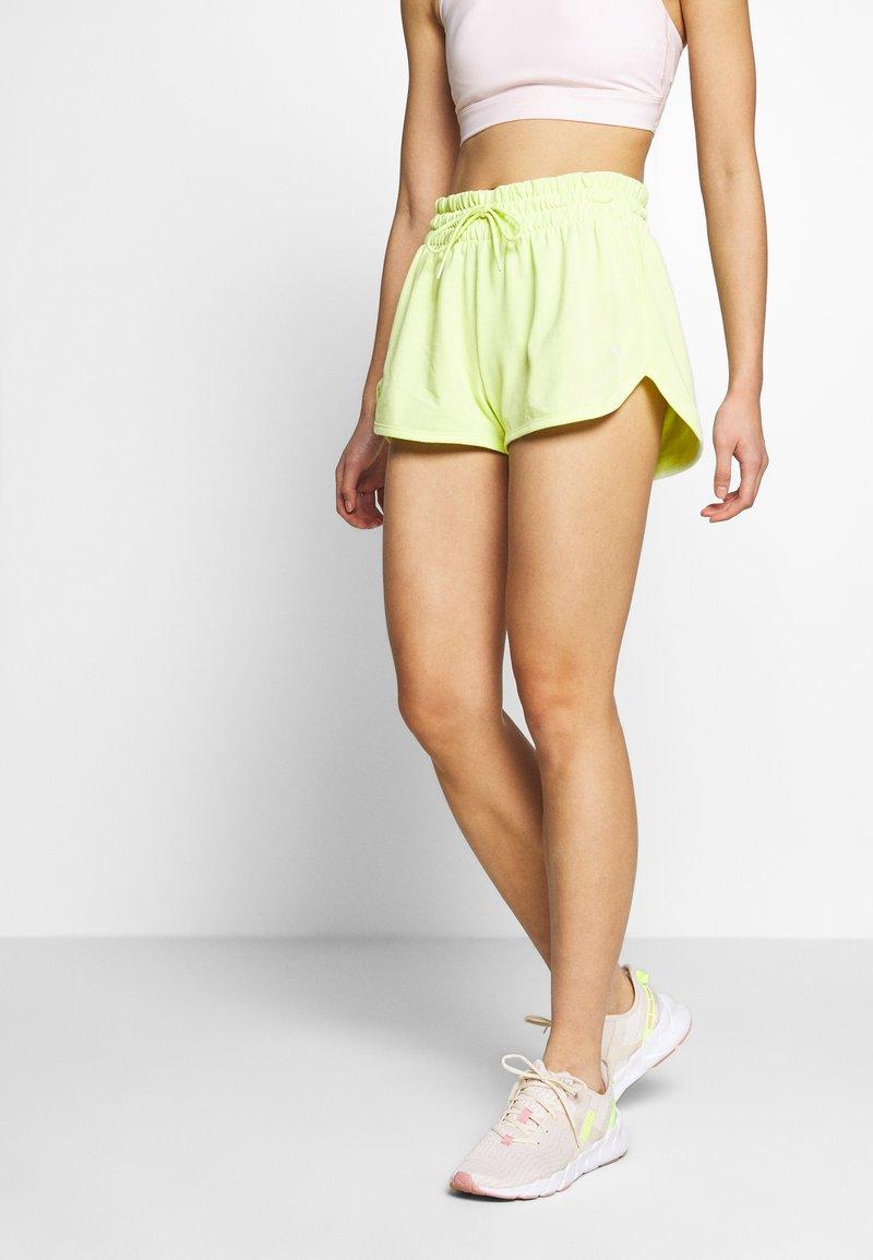 Puma - SUMMER SHORTS - Sports shorts - sunny lime