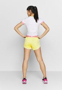 Puma - LAST LAP SHORT - Pantalón corto de deporte - sunny lime - 2