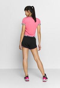 Puma - LAST LAP SHORT - Pantalón corto de deporte - black - 2