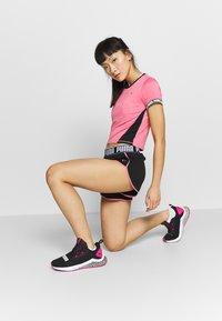 Puma - LAST LAP SHORT - Pantalón corto de deporte - black - 1