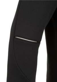 Puma - EVOSTRIPE MOVE KAPUZEN - Sports jacket - black - 2