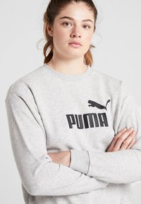 Puma - LOGO CREW - Sweatshirt - light gray heather - 3