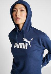 Puma - LOGO CROPPED HOODY - Hoodie - dark denim - 3
