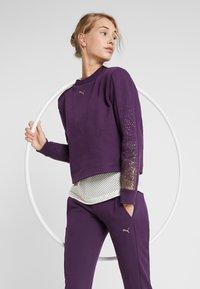 Puma - HOLIDAY PACK CREW  - Mikina - plum purple - 0