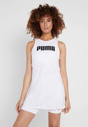 PERFORMANCE DRESS - Jurken - white
