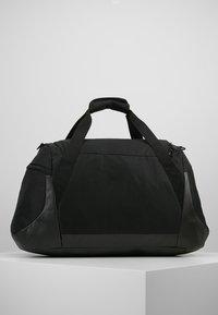 Puma - GYM DUFFLE BAG M - Sac de sport - black - 2