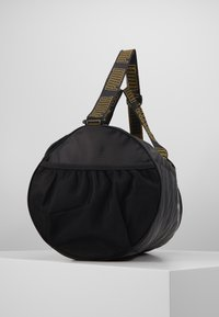 Puma - BARREL BAG - Sportovní taška - black/metallic gold - 4