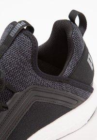 Puma - MEGA NRGY  - Chaussures de running neutres - black/asphalt - 5