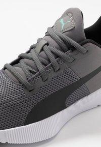 Puma - FLYER RUNNER - Obuwie do biegania treningowe - charcoal gray/black/blue turquoise - 5