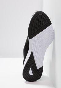 Puma - FLYER RUNNER - Obuwie do biegania treningowe - black/white - 4