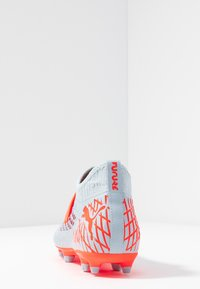 Puma - FUTURE 4.3 NETFIT FG/AG - Chaussures de foot à crampons - glacial blue/energy red/high risk red - 3