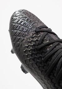 Puma - FUTURE 4.3 NETFIT FG/AG - Chaussures de foot à crampons - black/aged silver - 5