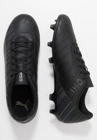Puma - ONE 5.4 FG/AG - Voetbalschoenen met kunststof noppen - black/aged silver - 1