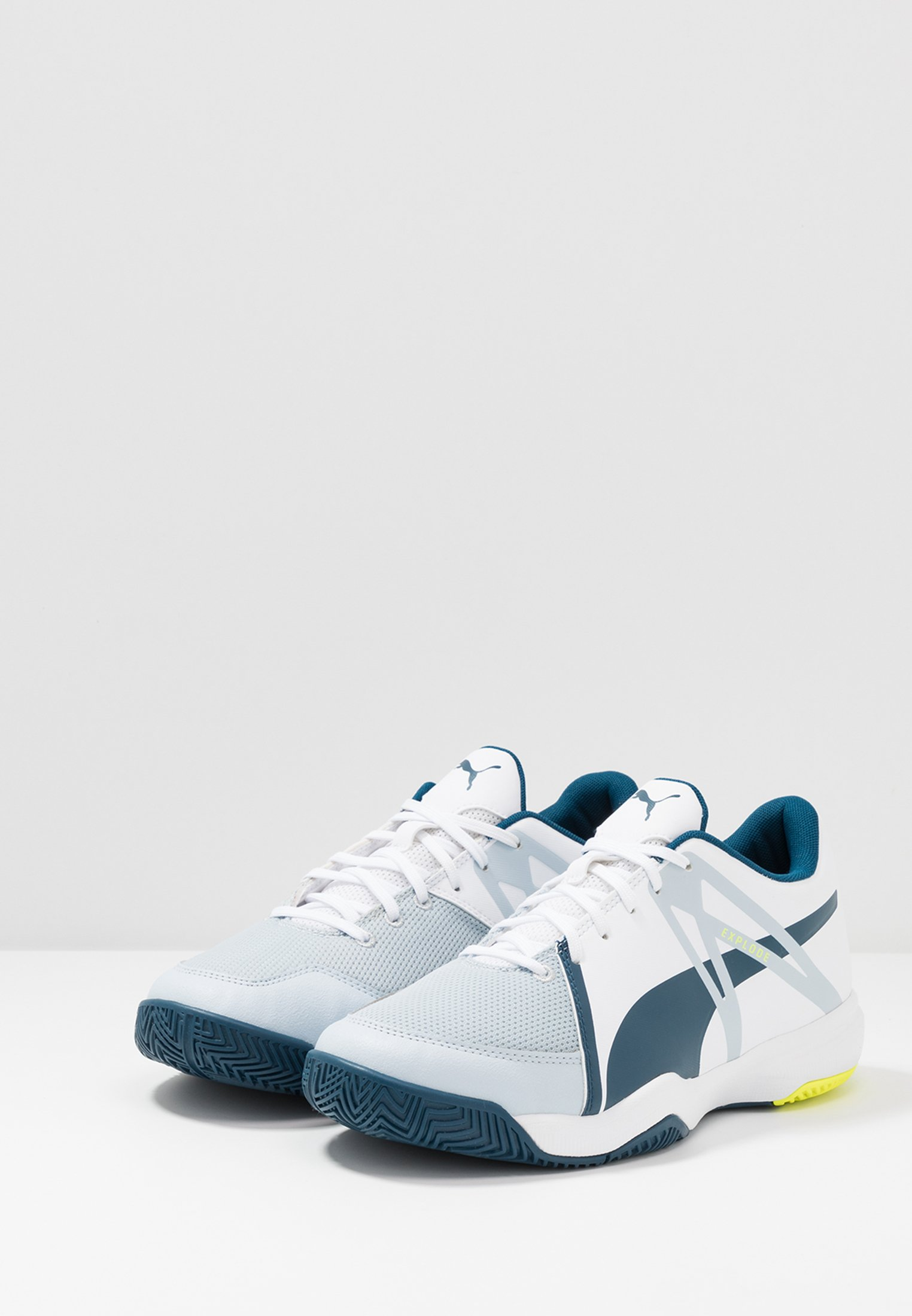 Puma EXPLODE XT 3 - Handballschuh - white/grey dawn/safety yellow/gibraltar sea - Black Friday