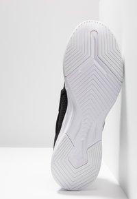 Puma - PERSIST XT - Chaussures d'entraînement et de fitness - black/white - 4