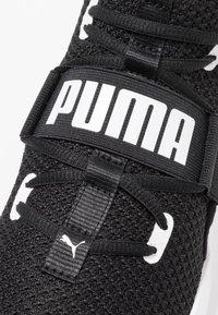 Puma - PERSIST XT - Chaussures d'entraînement et de fitness - black/white - 5