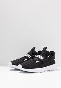 Puma - PERSIST XT - Chaussures d'entraînement et de fitness - black/white - 2