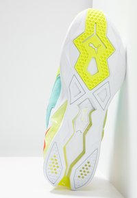 Puma - LQDCELL ORIGIN - Zapatillas de running neutras - white/yellow alert - 4