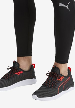 IGNITE FLASH - Chaussures de running stables -  black/red