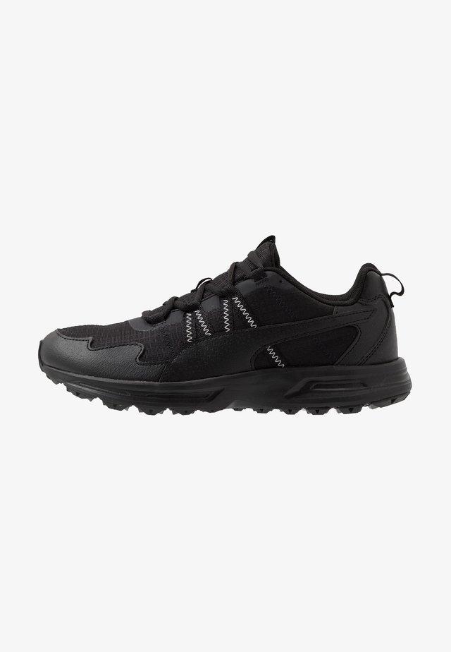 ESCALATE - Běžecké boty do terénu - black/white