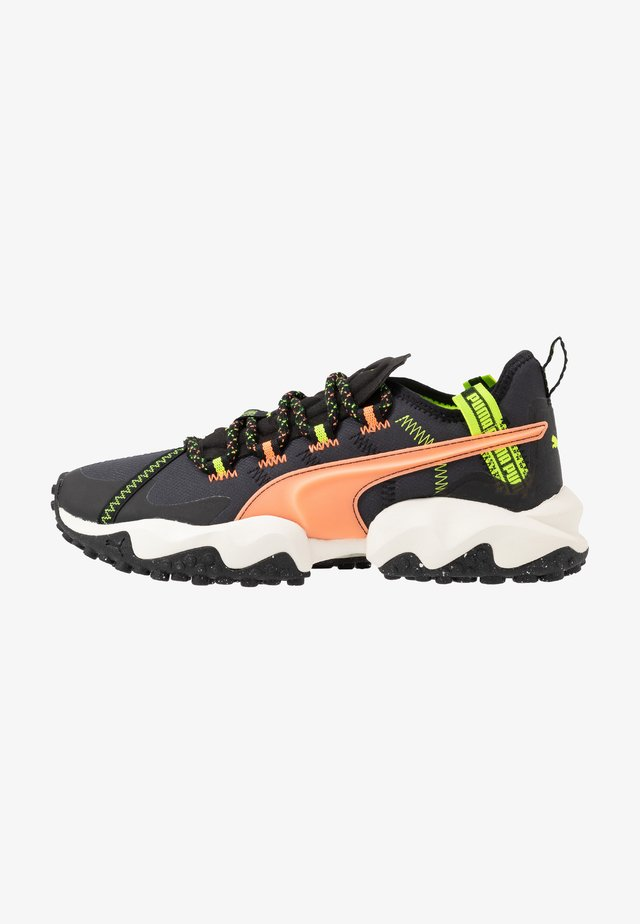 ERUPT TRL FM - Chaussures de running - black/tapioca/fizzy orange