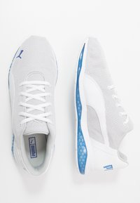 Puma - CELL ULTIMATE POINT - Sports shoes - white/high rise/palace blue - 1