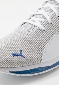 Puma - CELL ULTIMATE POINT - Sports shoes - white/high rise/palace blue - 5