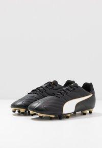 Puma - CLASSICO C II FG - Fodboldstøvler m/ faste knobber - black/white/gold - 2