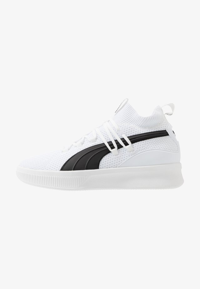 CLYDE COURT CORE - Basketball shoes - white