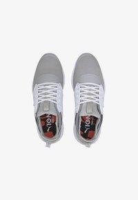 Puma - IGNITE PROADAPT - Golf shoes - high rise/silver-white - 1