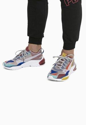 PUMA LQDCELL - Chaussures de running stables - high rise rhubarb sulfur