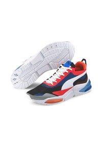Puma - PUMA LQDCELL OPTIC XI RUNNING SHOES MALE - Chaussures de running neutres - white/pal blue/l blast - 3