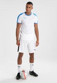 Puma - LIGA  - Strój drużynowy - white/electric blue - 1
