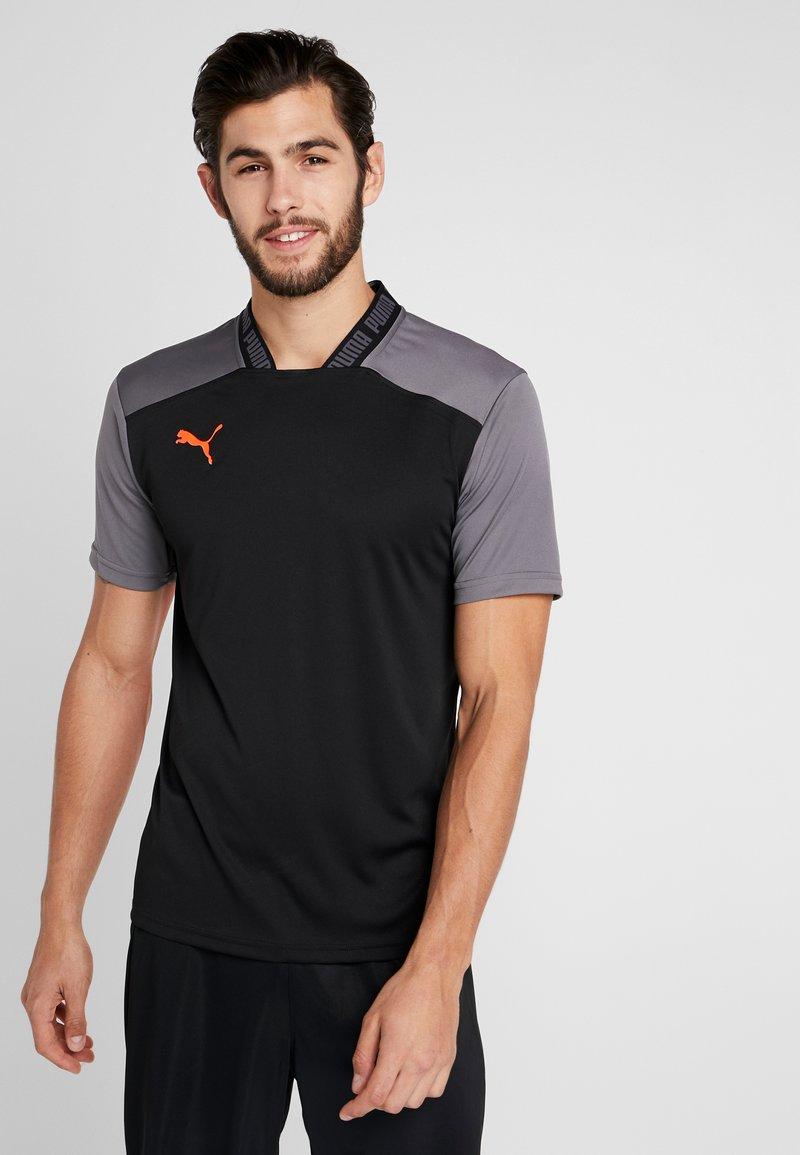 Puma - PRO TEE - Print T-shirt - black/red