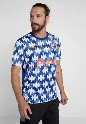 SHOWDOWN  - Print T-shirt - olympian blue/white