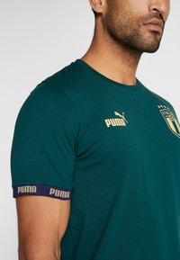 Puma - ITALIEN FIGC FTBLCULTURE TEE - Voetbalshirt - Land - ponderosa pine - 3