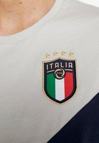 Puma - ITALIEN FIGC ICONIC MCS TEE - National team wear - peacoat/gray - 5