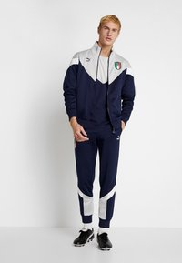 Puma - ITALIEN FIGC ICONIC MCS TEE - National team wear - peacoat/gray - 1