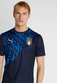 Puma - ITALIEN FIGC PREMATCH AWAY JERSEY - National team wear - peacoat/team power blue - 3
