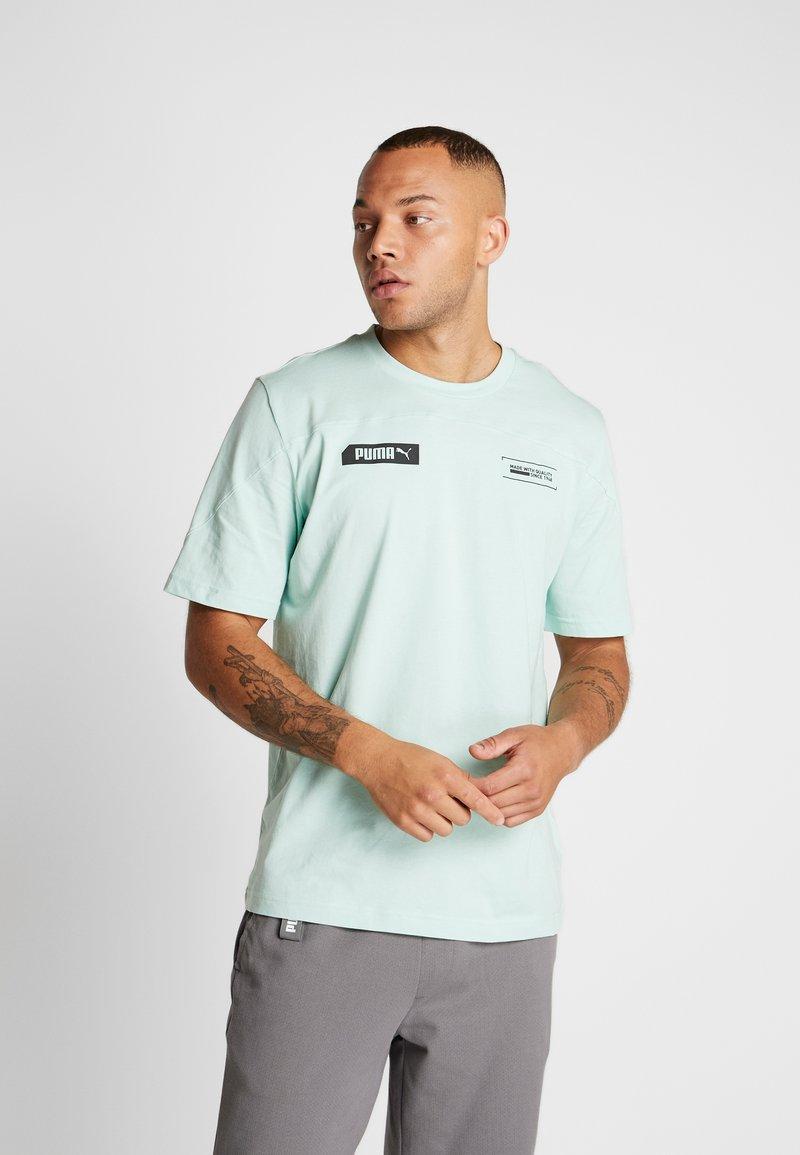Puma - TEE - T-shirt imprimé - mist green